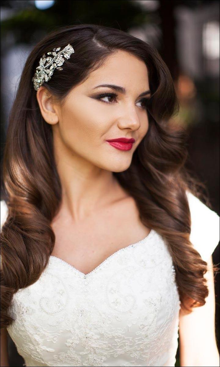 Фото свадебной прически с распущенными волосами